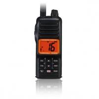Radiotelefono VHF marino portatil Standard Horizon HX280E (Homologado Norma IPX7) - Resistencia al agua grado IPX7 (30 minutos a 1 metro de profundidad).   El HX280E es un transceptor náutico portátil de VHF bidireccional, miniaturizado y sumergible de 5 W de potencia. Incorpora todos los canales asignados en las frecuencias internacionales de la Banda Marina. Dispone del canal 16 de emergencia, que se puede seleccionar directamente desde caualquier canal pulsando la tecla 16/9...