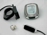 Pulso monitor y cuentakilometros Konus KARDIO BIKE - El nuevo modelo Kardio Bike, como ordenador para bicicleta es la última novedad en este sector. Con un pequeño coste es ahora posible tener bajo control el latido cardíaco propio, también la velocidad a la que se viaja, km recorridos y muchas otras cosas.