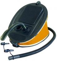 Bomba de pie 6 Litros - Esta bomba de inflado incluye una manguera de aire flexable con 3 boquillas de interconexión para adaptarse a pequeñas, medianas y grandes válvulas de inflado.