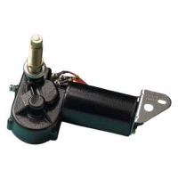 TMC Motor Limpiaparabrisas Eje de 25 o 50mm. 12V - Alimentación: 12v. 84W. Ángulo de barrido a 83º, 100º, 110º, 120º. Diámetro del eje: 16mm. Diámetro eje del brazo: 13mm. Dimensiones totales: 158x101x101mm.