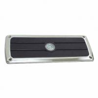 Peldaño Antideslizante en Acero Inoxidable - Peldaño antideslizante con led. Marco en acero inoxidabley plástico negro tratado.