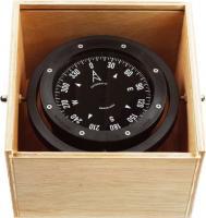 Compás de bote en caja de madera CSB - Clásico compás en caja de madera barnizada con luz auxiliar opcional. El CSB es ideal para embarcaciones de pesca, profesionales y servicios.
