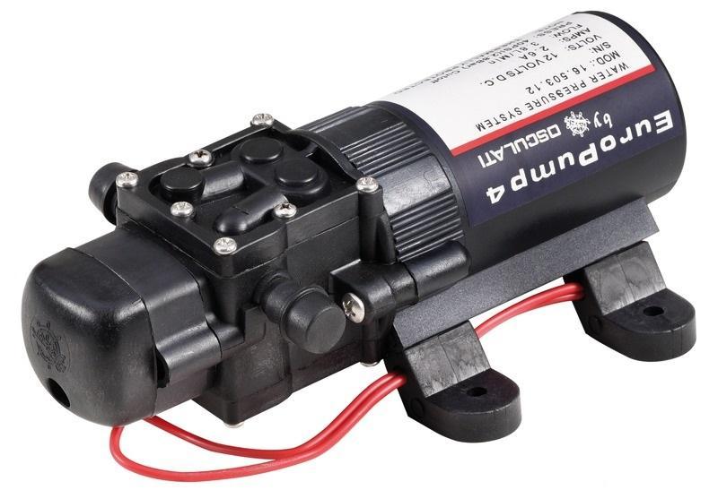 Bomba de agua a presion Osculati EuroPump 4.  3,8lt / min, 12V - Puede alimentar 2 grifos al mismo tiempo. Equipado con disyuntor contra sobrecargas. Puede funcionar en seco sin daños.