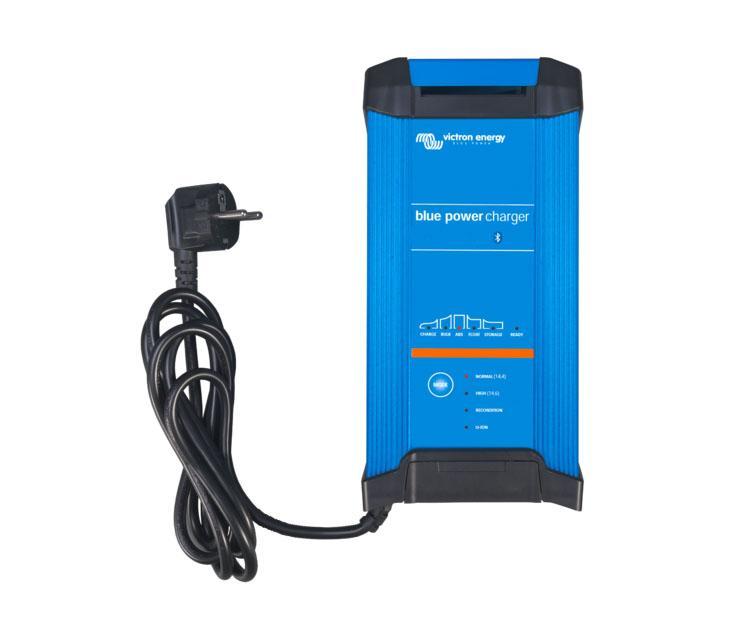 Cargador de Baterías Victron Blue Smart IP22 12V / 15/20/30A - El cargador Blue Smart IP22 12V con una salida, es el nuevo cargador de baterías profesional con Bluetooth integrado. El cargador de baterías Blue Smart IP22 es la solución inalámbrica para monitorizar la tensión y la corriente, cambiar los ajustes y actualizar el cargador cuando aparecen nuevas funciones.