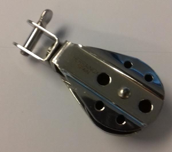 Polea con Giratorio Inox - Polea simple de acero Inoxidable AISI 316 y roldana de Delrin.   Para cabo de 8 o 10 mm