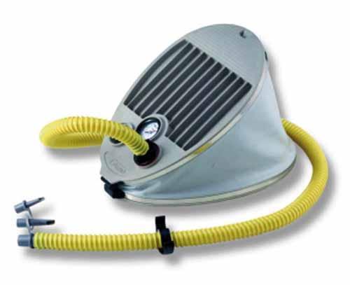 Hinchador de Pie 5 Litros con Manometro - Para hinchar y deshinchar las neumáticas y las embarcaciones de playa. Con manómetro de lectura progresiva incorporado.
