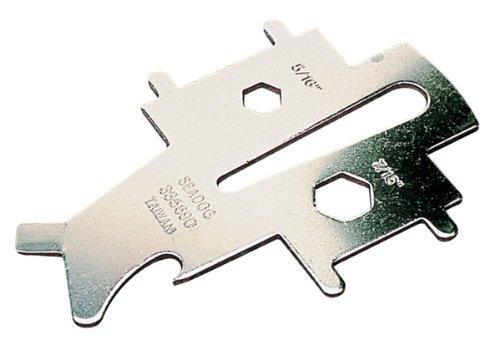 Llave Universal Inox Sea Dog para tapones de cubierta - Llave universal de acero inoxidable, para tapones de llenado y bocas de cubierta. También incluye una llave abre grilletes, un abridor de botellas y un destornillador plano.