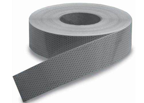 Cinta reflectante adhesiva SOLAS 50 mm x 50 mts. - SOLAS Reflective Self Adhesive Tape. Homologado con aprobación SOLAS 0038/02. Servidaen rollode 50 metros.