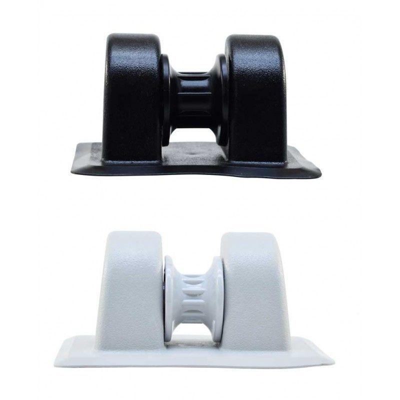 Roldana de proa PVC para embarcaciones neumaticas - Roldana de proa con rodillo incorporado, para embarcaciones neumáticas o semirrígidas. Fabricada en PVC de alta resistencia.