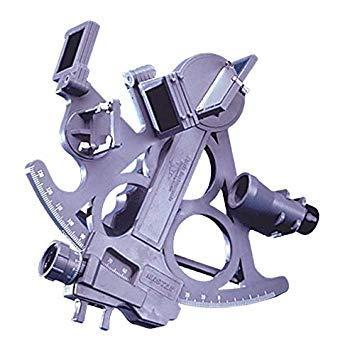 Sextante Deluxe Davis Mark 25 - El sextante Mark 25 presenta un arco de 18 cm graduado de -5º a 120º, 7 filtros, 2 espejos de fácil ajuste, lentes de cristal con recubrimiento antirreflectante y un anteojo adicional para observaciones sin deslumbramientos...