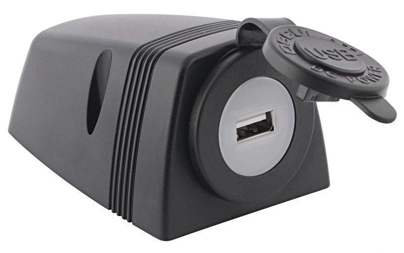 Toma USB + carcasa para instalación en cubierta