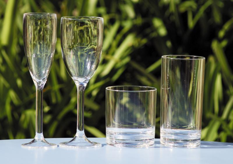 Vasos y Copas Topoplastic Fidji Tritan de Polocarbonato - Los vasos y copas Topoplastic Tritan, son irrompibles y aptos para lavavajillas. Servidos por unidad