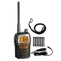 Radiotelefono VHF marino portatil Cobra MR HH125 VP EU - El Cobra MR HH125 es un completo radiotelefono VHF, con un diseño robusto y compacto. Es perfecto para la navegación de recreo o como portátil de seguridad en los buques más grandes.